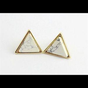NWT Marbled White Stone Resin Stud Earrings